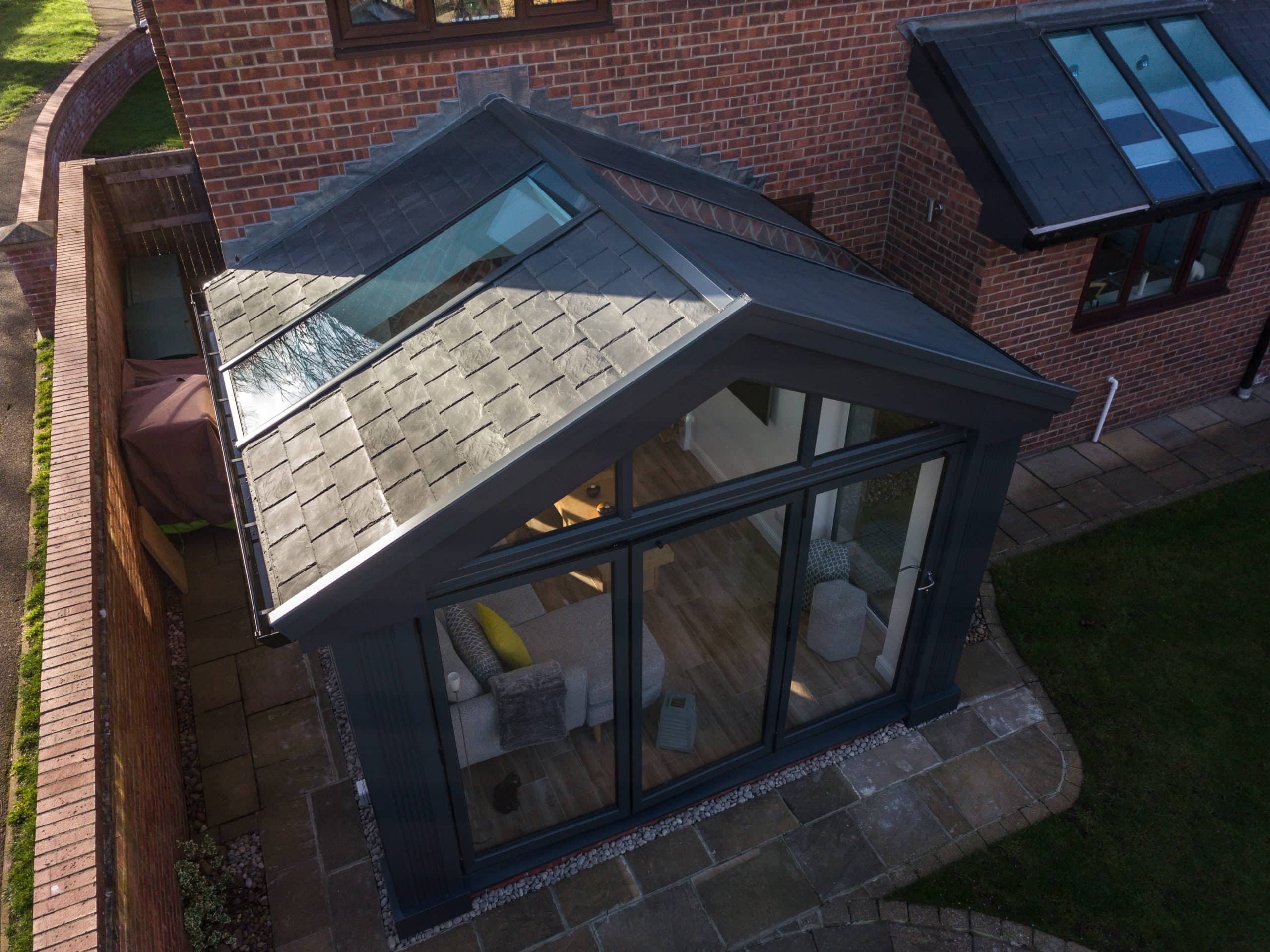 fast clean installation of solid roofs