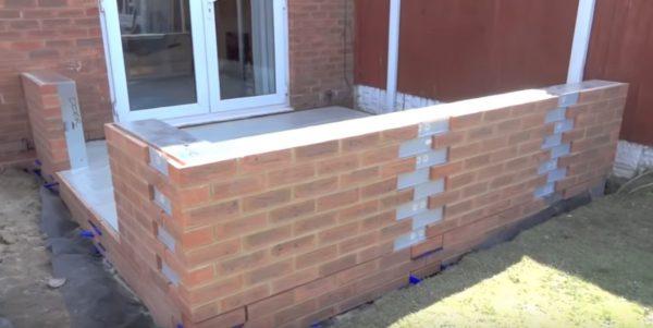 Install the brick slips