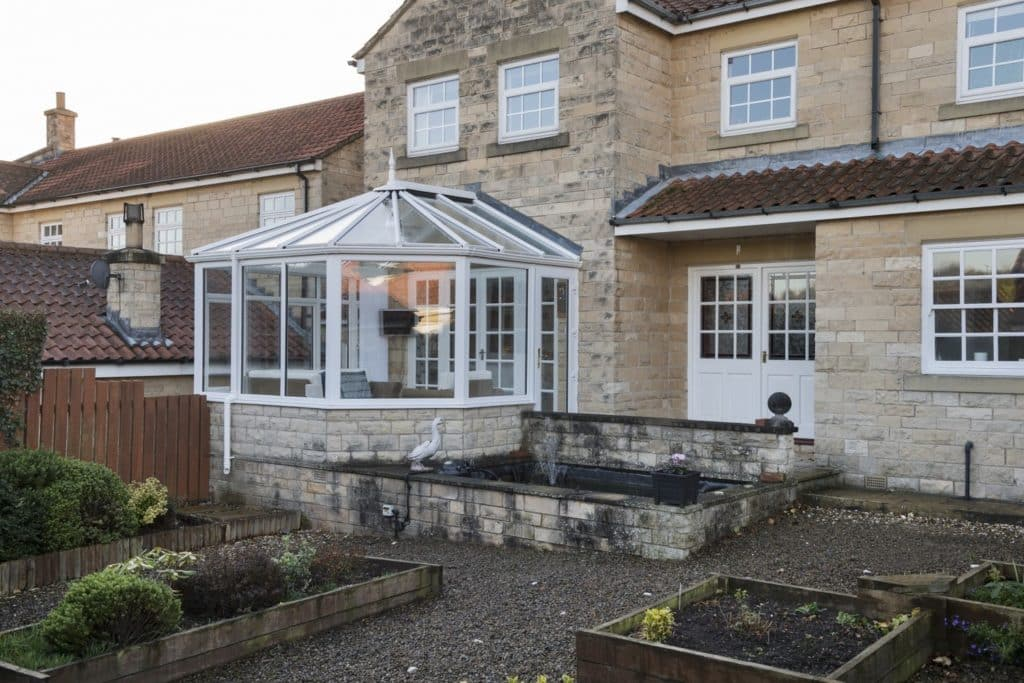 Difference between an orangery and a conservatory